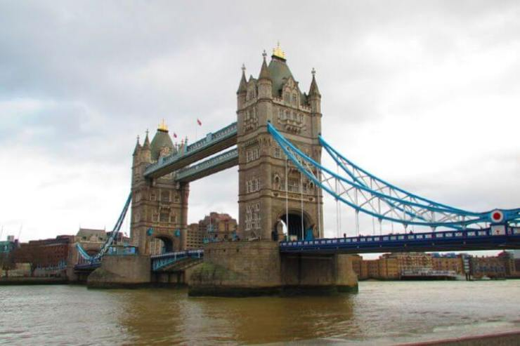 London-at-Christmas-Tower-Bridge-Kids-Are-A-Trip