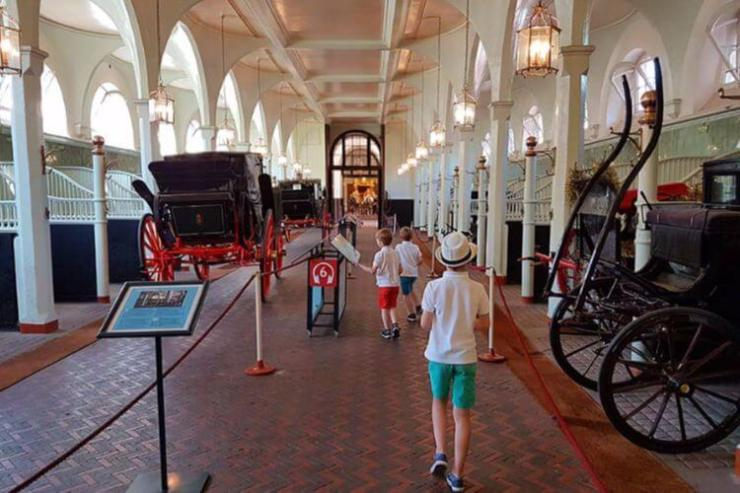 Visiting-Royal-Mews-in-London-Full-Suitcase