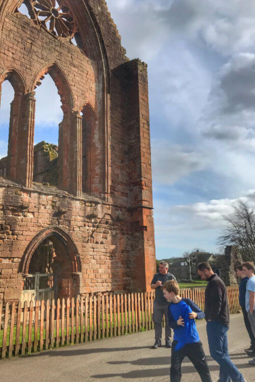 Visit Sweetheart Abbey with Solway Tours-Kids Are A Trip