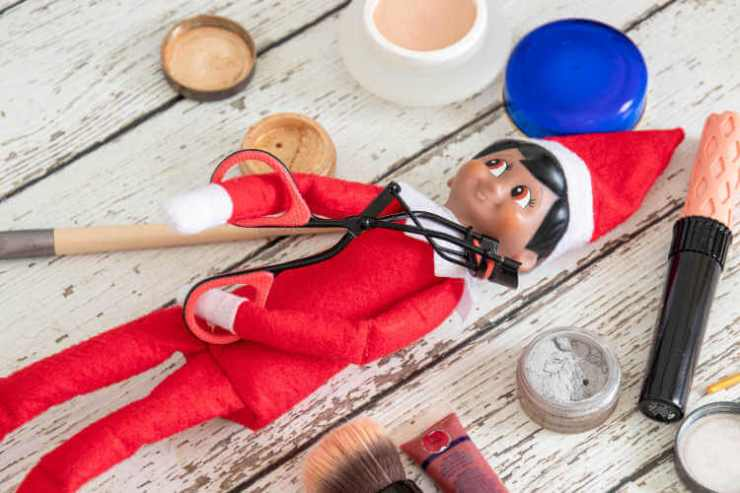 elf on the shelf moms makeup-kids are a trip