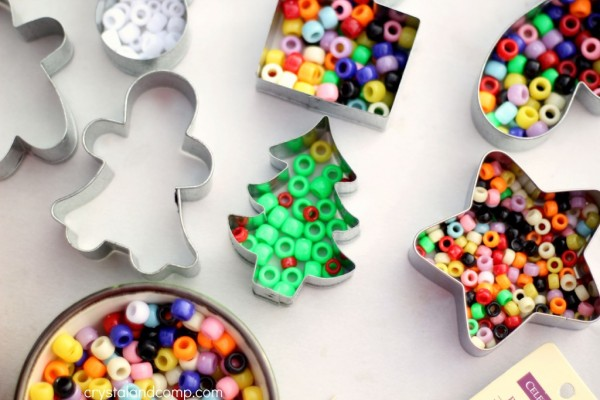 cookie-cutter-beaded-ornaments-for-your-christmas-tree-1024x682