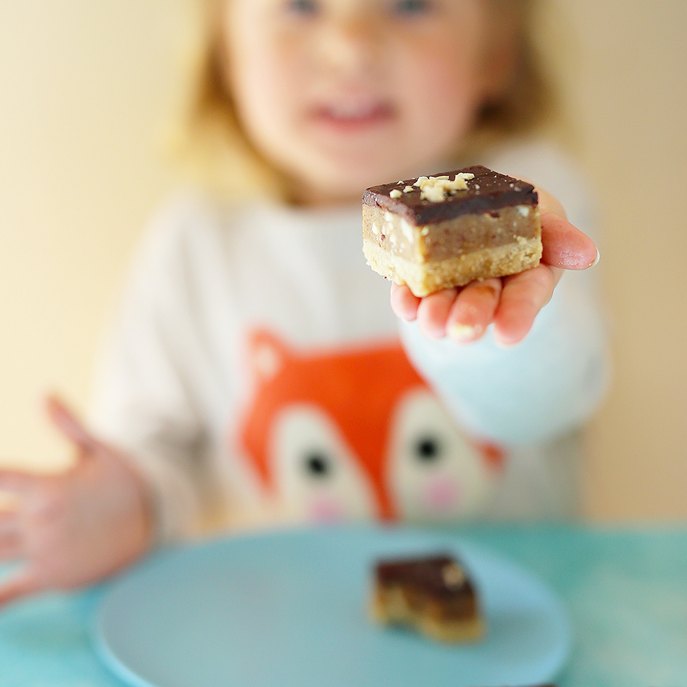 kids eat by shanai raw snickers slice