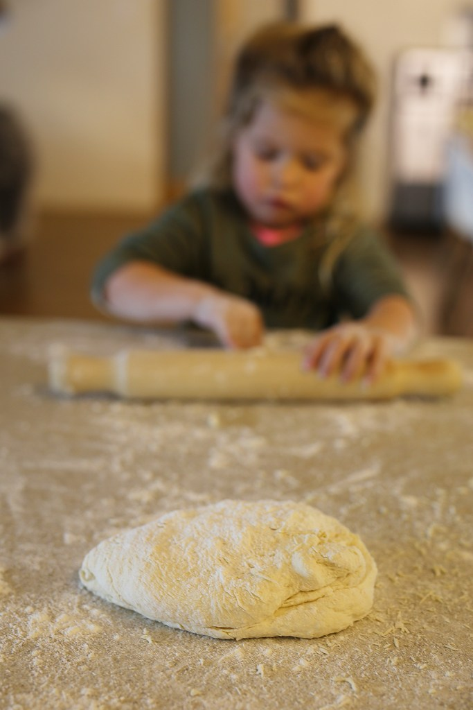 making simple flatbread pizza Kids Eat by Shanai