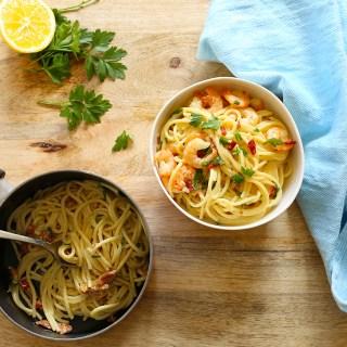 creamy garlic prawns + sun dried tomato spaghetti