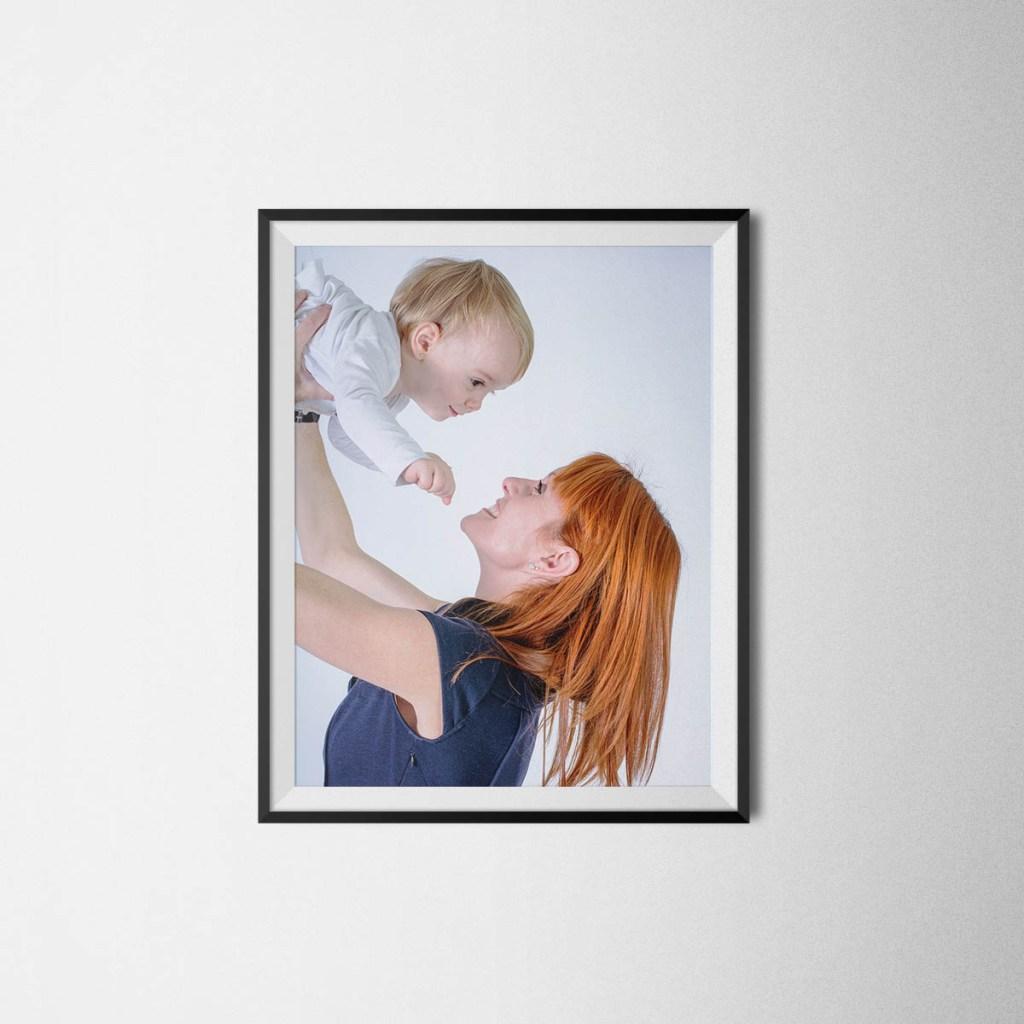 kidsfoto.es Fotografía de familia en estudio papa niñas niña mama fotografo de niños fotografia niños zaragoza fotografía infantil fotografía familiar felicidad familia estudio