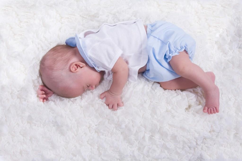 kidsfoto.es Fotografía NewBorn, Fotografía bebé y Fotografía familiar sesiones fotográficas a niños recién nacido niños fotografo de niños fotografía infantil fotografía familiar familia estudio bebé