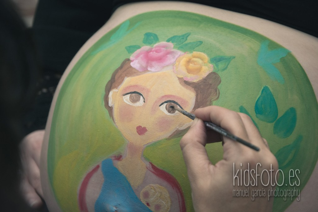 kidsfoto.es Body paint Belly paint Sesión fotografía Premamá Embarazo Zaragoza premamá fotografía familiar familia estudio bodypaint bebé
