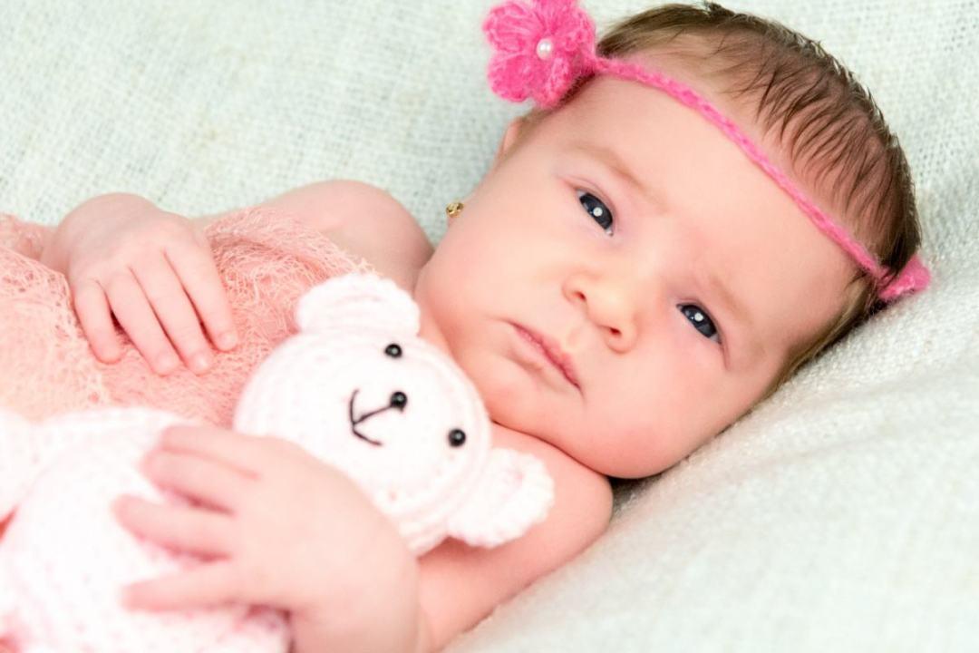 kidsfoto.es Sesión fotográfica bebé con familia en estudio en Zaragoza