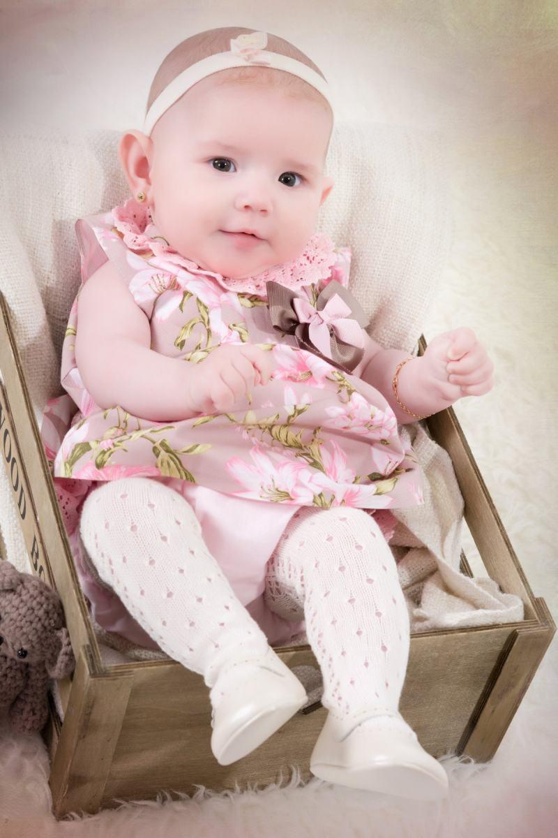 kidsfoto.es Sesión Reportaje fotográfico bebé Valentina en Zaragoza