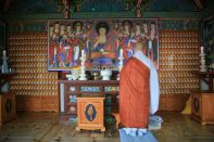 Hyangiram Hermitage Korea, Buddhist monk praying