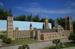 Aiins World Park Bucheon, Big Ben Westminster Abbey