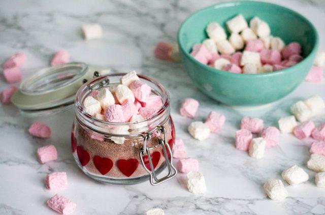 Stap 2 : Warme Chocolademelk in een Pot DIY | Babies Kitchen