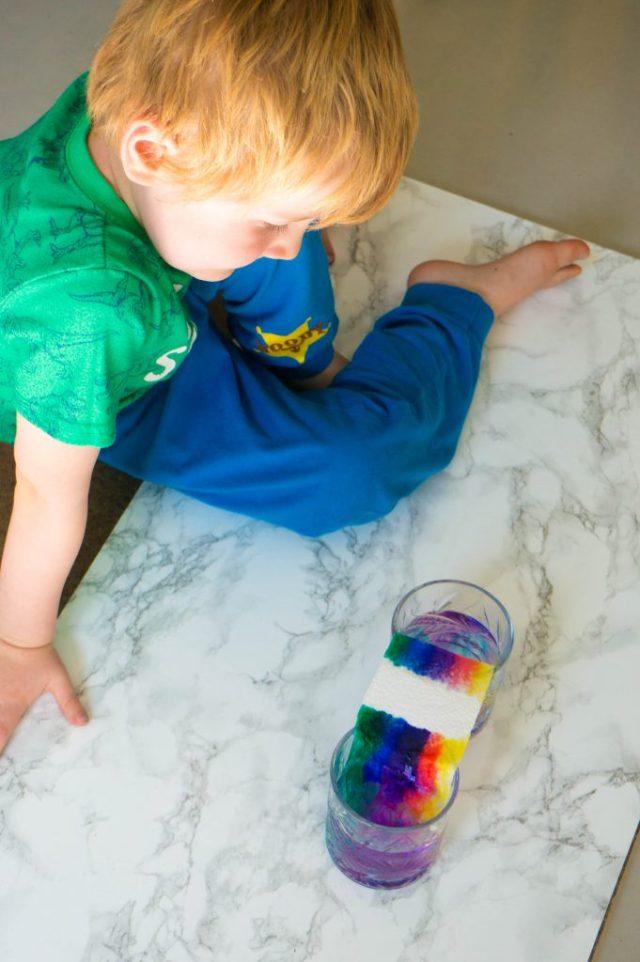 BTS Een regenboog laten groeien | Babies Kitchen