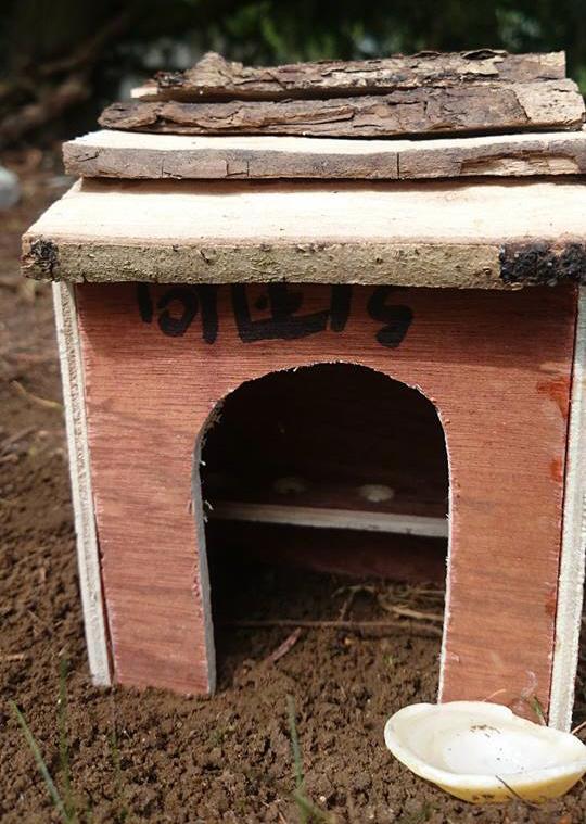 Image of miniature-toilet-block-for-fairy-garden