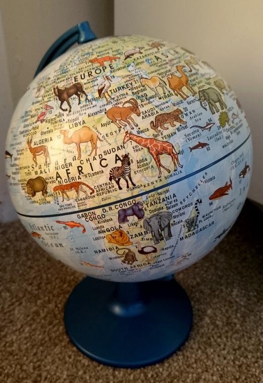 animal-globe