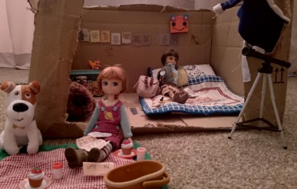 stargazing-and-fossil-hunting-lottie-dolls-with-accessories-in-cardboard-box-room