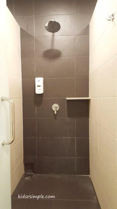 Shower cubicle (Safra Yishun Pool)