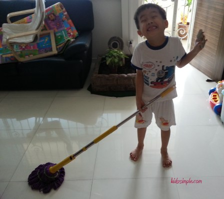 YH doing house chore