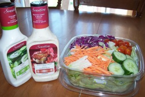salad with salad dressing