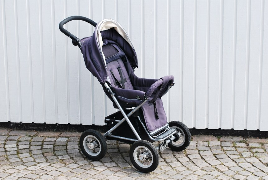 rent a stroller to save money on vacation