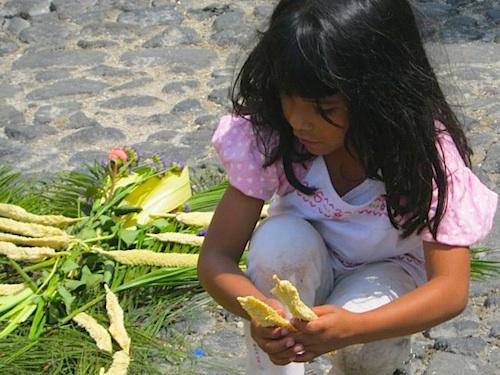Kids Making Alfombra Guatemala- Kid World CItizen