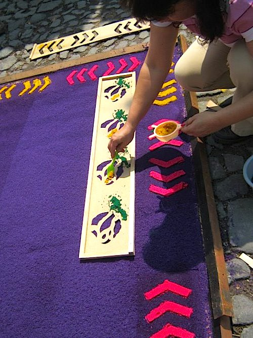 Using Stencils_to_Make Guatemalan Alfombras- Kid World Citizen