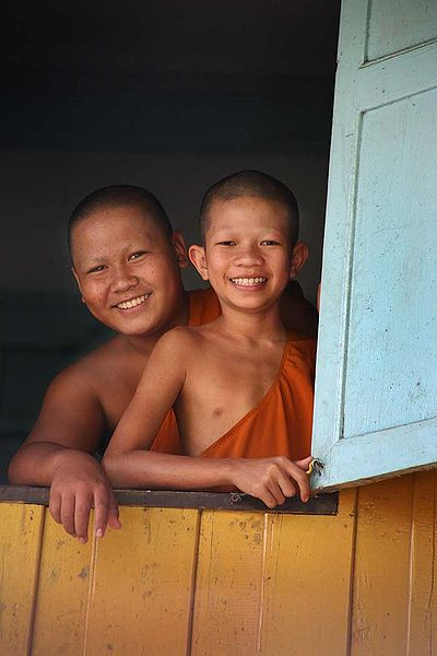 Learn about Thailand Buddhist monks- Kid World Citizen
