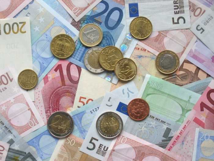 Euro coins and banknotes- Kid World CItizen