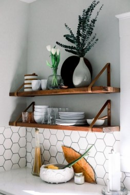 17 Chic Kitchens With Open Shelving 02