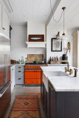 17 Small Kitchen Trends That Help Brighten The Space 08
