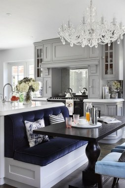 17 Stylish Eat In Kitchens That Are All The Rage Right Now 13
