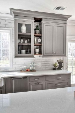 16 Romantic And Welcoming Grey Kitchens For Your Home 21