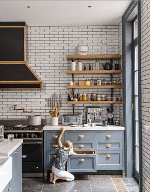 18 Blue Paint Colors To Use In Your Kitchen For A Chic Upgrade 02