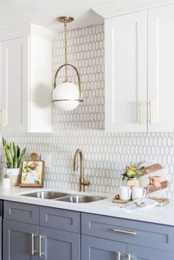 18 Two Tone Kitchen Cabinets To Reinspire Your Favorite Spot In The House 25
