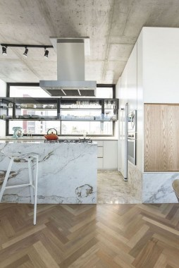 20 19th Century Apartment Gets Contemporized In Kiev 01