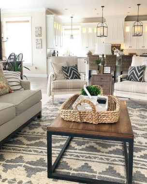 20 Farmhouse Living Rooms That Will Take Your Breath Away 27