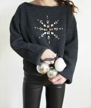 20 Gorgeous DIY Sweater Makeover Ideas This Winter 08