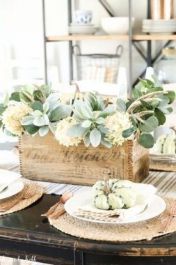 18 DIY Centerpiece Ideas To Beautify Your Dining Room This Fall 04