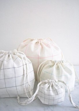 19 Good Looking DIY Laundry Bag Ideas For The Organized One 05