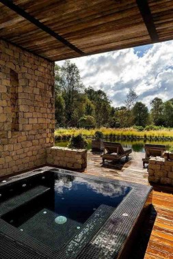 21 Outdoor Jacuzzi Ideas That Will Make You Want To Plunge Right In 22
