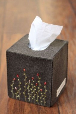 21 Stylish DIY Tissue Box Cover Not To Make It Looks Boring 28