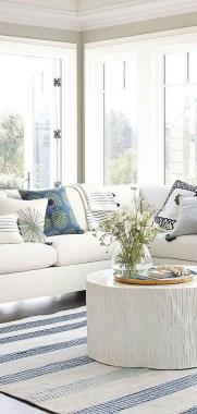22 Adorable Living Room Decor Ideas With Coastal Touches 08