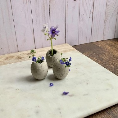 25 Modern DIY Concrete Crafts For Spring Decoration That Easy To Make 06