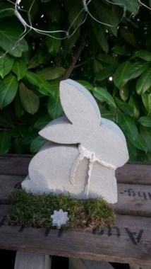 25 Modern DIY Concrete Crafts For Spring Decoration That Easy To Make 14