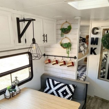 21 RV Living Decor To Make Road Trip So Awesome 14