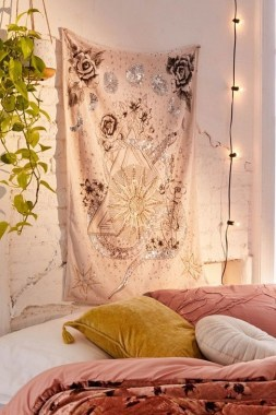 23 Rooms With Celestial Trend That Will Bring Magic To Your Home 07