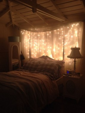 25 Ways To Decorate Your Home Decor All Year Long Using Twinkle Lights 02