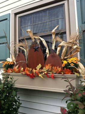 27 Cheap And Easy Fall Window Boxes Ideas 12
