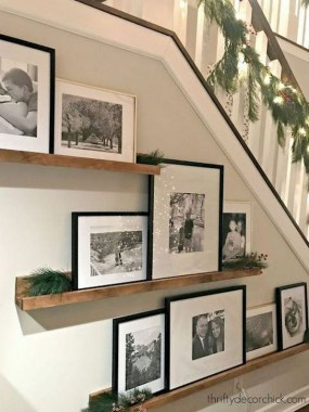 28 Creative Ways To Fill Your Plain Walls By Showing Off Your Mini Photo Collections 07