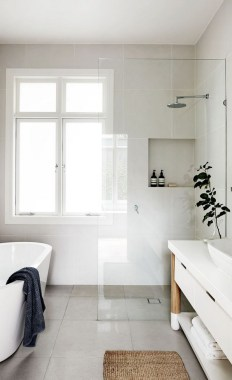 28 Ways To Make Your Small Bathroom Feel Bigger 03